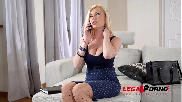 Blondie Donna Bell needs two massive cocks between her gigantic titties GP534